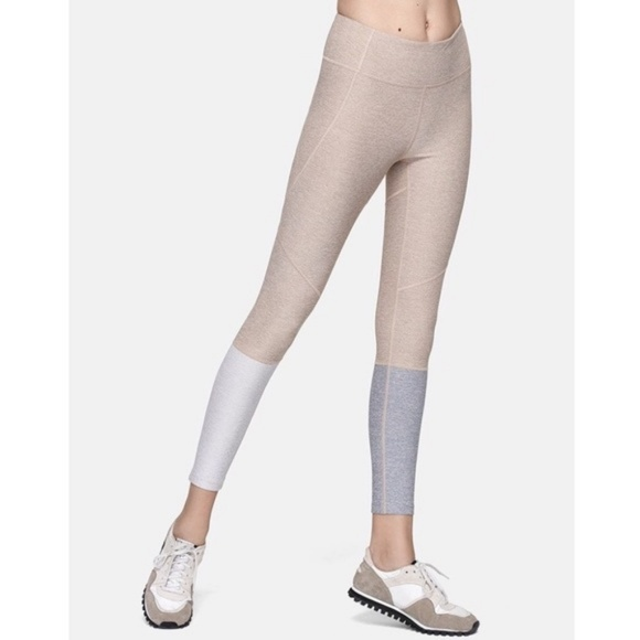 6e2a800723320 Outdoor Voices Dipped Warmup 7/8 Legging - Small. M_5b646f73baebf6d939a6498c